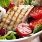 Salade met gegrilde kip