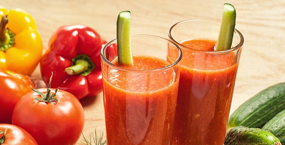 Hartige smoothie van tomaat en paprika